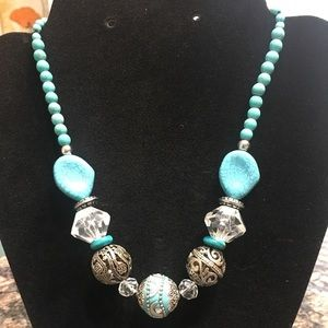Jewelry - New Chunky turquoise and silver beaded necklace